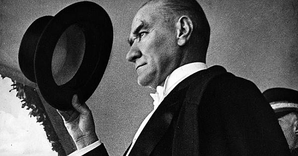 Ünlülerden 10 Kasım Atatürk'ü Anma Günü paylaşımları!