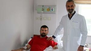 İki işçinin kopan 4 parmağı, Op. Dr. Metin Arıcı tarafından operasyonla dikildi
