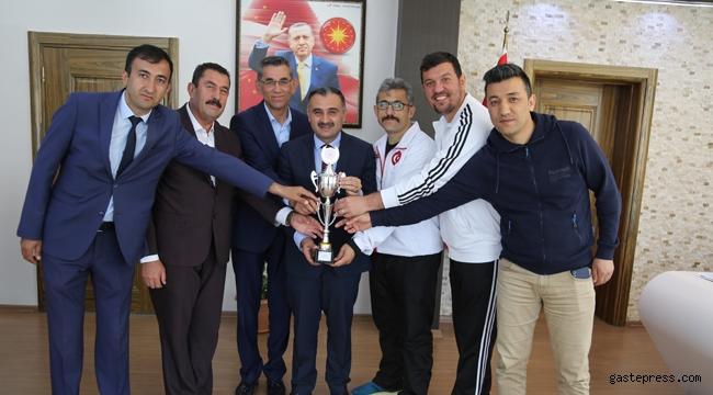 Başkan Cabbar'dan Belediyespor'a Tebrik