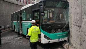 Kayseri'de halk otobüsü duvara çarptı: 8 yaralı