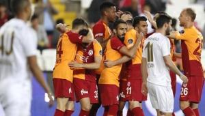 Şampiyon Galatasaray, 2-0 Öne Geçtiği Maçta Sivasspor'a Yenildi
