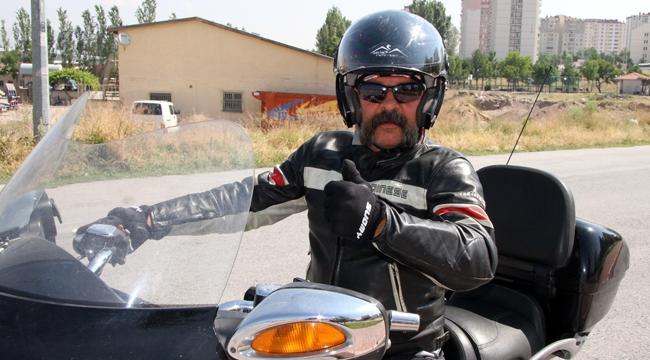 Motosiklet tutkunu Metin Tek:
