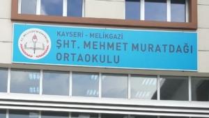 Okul tabelasındaki 'şht' kısaltması, 'şehit' olarak değiştirildi