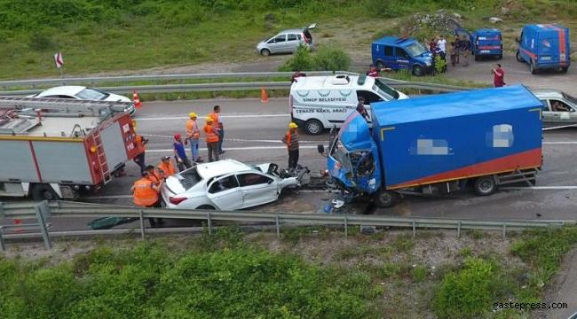 Sinop'ta feci kaza 2 üniversiteli genç can verdi