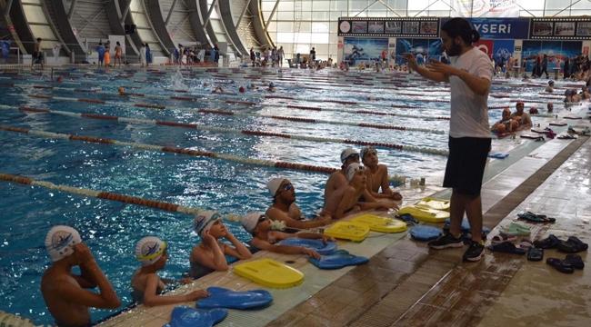 Yüzmede Yeni Nesil Yaz okulları