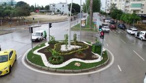 Adana Büyükşehir'den peyzaj, aydınlatma, kaldırım, bitkilendirme ve düzenleme çalışması!