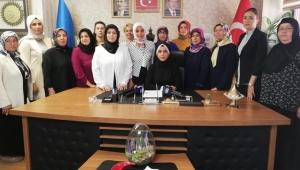 Ak Parti Kadın Kolları il Başkanlığı tarafından Srebrenitsa katliamının yıl dönümü nedeni ile basın açıklaması yaptı