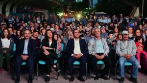 """Ankara Büyükşehir Belediyesi'nin Kültür Hizmeti """"Açık Hava Sineması"""" Başkentlilerle Buluştu!"""