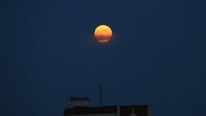 Büyüleyen dolunayın ardından bu gece Parçalı Ay tutulması olacak!