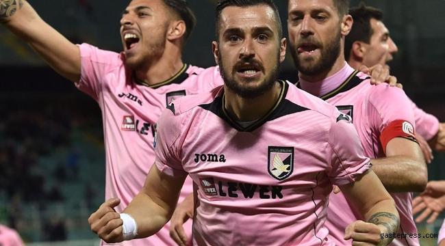 İtalya'nın köklü kulüplerinden Palermo, Serie D'ye düşürüldü!