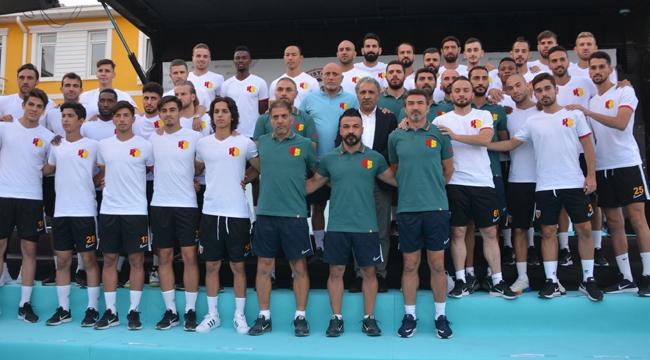 İstikbal Mobilya Kayserispor, yeni transferleri için tanıtım töreni düzenledi!