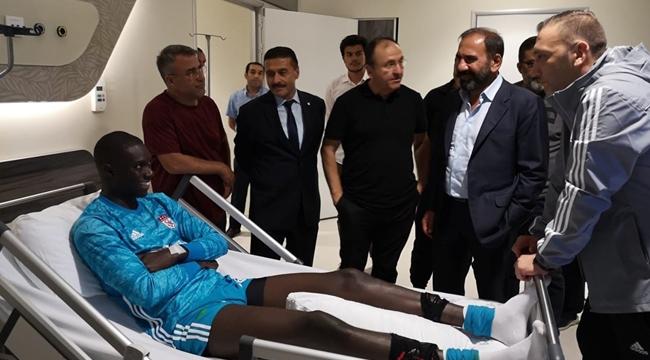 Sivasspor'un kalecisi Mamadou Samassa'nın durumu iyi!
