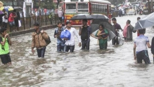 Hindistan'ın kuzeyinde yaşanan sel felaketinde en az 40 kişi öldü!