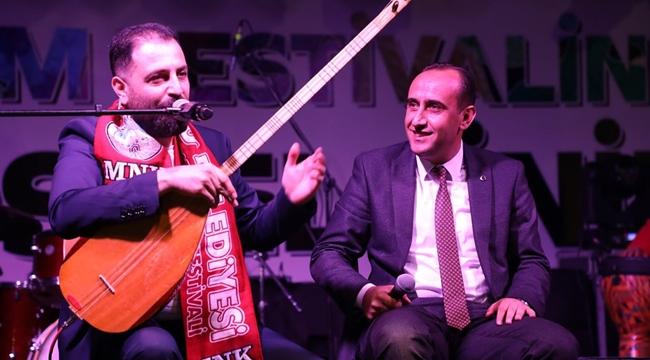 İncesu üzüm festivalinde sanatçı İsmail Altunsaray sahneye çıktı!