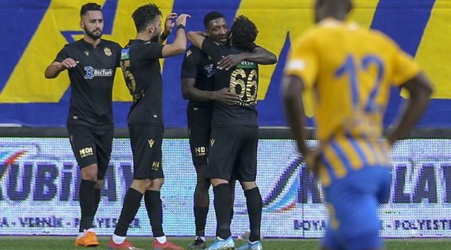 Yeni Malatyaspor, 3 puanı 4 golle aldı!