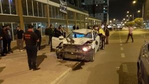 Alkollü sürücü otomobille yayalara çarptı: 1 ölü, 4 yaralı