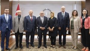 Başkan Büyükkılıç, Muhtarlar Günü'nde bazı mahallelerin muhtarlarıyla bir araya geldi!