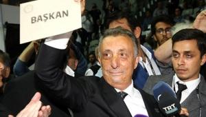 Beşiktaş'ın yeni başkanı Ahmet Nur Çebi oldu!