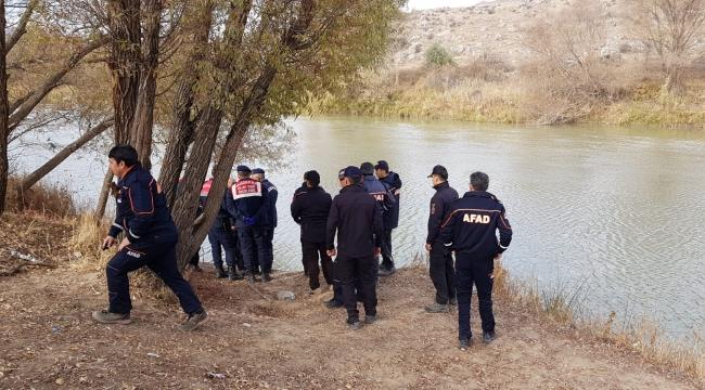 Kayıp nakliyecinin Kızılırmak'ta cesedi bulundu