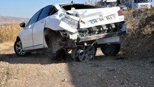 Kayseri'de TIR otomobile çarptı: 1 ölü, 3 yaralı
