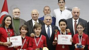 Şampiyon Öğrenciler Büyükşehir Belediyesi'nde!