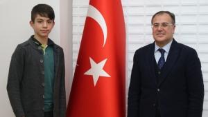 Hacılar Belediye Başkanı Özdoğan, milli takım seçmelerine çağrılan futbolcuya başarı diledi!