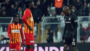 Kayserispor'da Adebayor'un sözleşmesi karşılıklı olarak feshedildi!