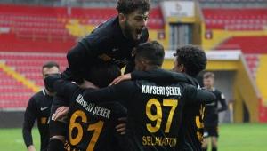 Süper Lig'de Zor Günler Geçiren Kayserispor'a Kupa Morali!