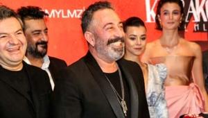 Cem Yılmaz'ın yeni filmi Karakomik Filmler 2'de Deli ve Emanet'in galası dün gece yapıldı!