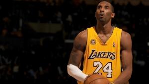 Dünya şokta! Kobe Bryant helikopter kazasında hayatını kaybetti!