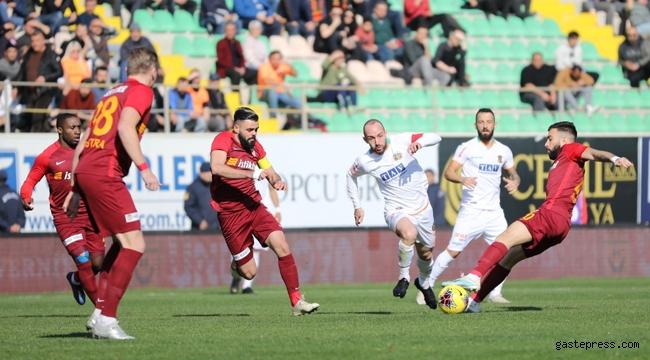 Kayserispor Ligde oynadığı son 4 maçta kalesinde 18 gol gördü!