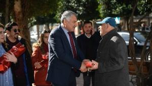 """Adana Bükşehir Belediye Başkanı Karalar, """"Dünyaya sevgi hakim olsun, tek saniyemiz sevgisiz geçmesin."""""""