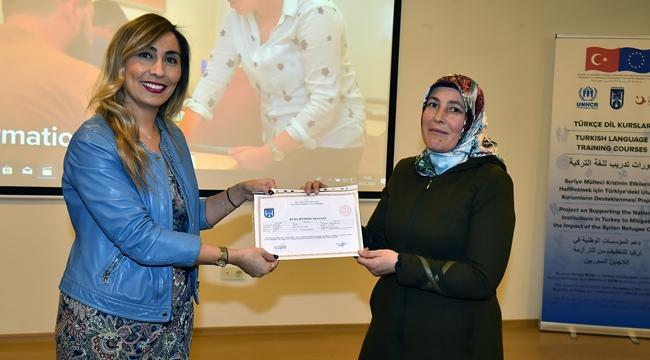Ankara'da Mülteci Kursiyerler Sertifikalarını Aldılar!
