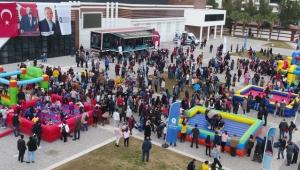 Antalya Büyükşehir'in Manavgat Çocuk Şenliği'ne yoğun ilgi vardı!