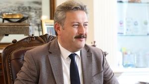 Başkan Dr. Mustafa Palancıoğlu Dr. Öğretim Üyesi Aziz Şatana'yı Tebrik etti