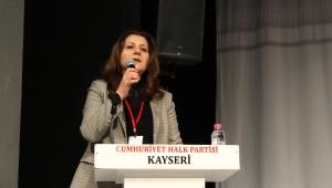 CHP İl Kongresinde Ümit Özer güven tazeledi