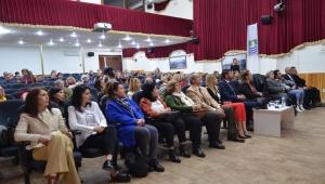 İzmir Büyükşehir'den 30 ilçede toplumsal cinsiyet eşitliği semineri