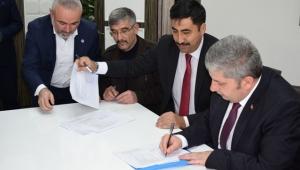 Kayseri'de HİZMET-İŞ Üç Farklı Belediye de TİS imzaladı!