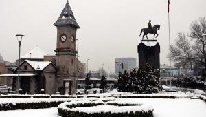 Kayseri'de kar yağışı etkili oldu