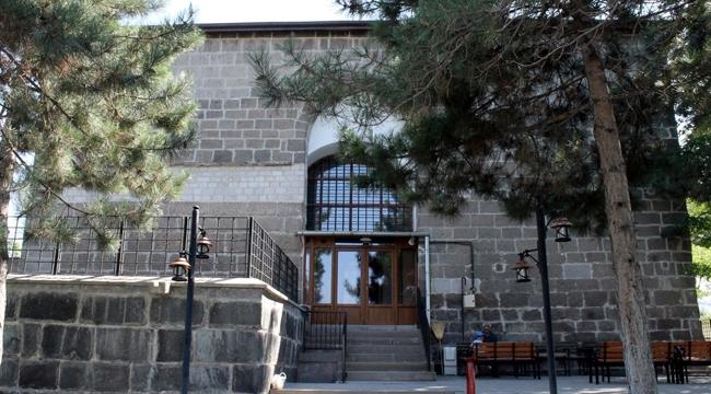 Kayseri'deki tarihi cami 1279 yıldır Müslümanlara hizmet veriyor!