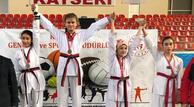 Kayseri Melikgazi Melmek Sporcuları Yıldızlar MEB Şampiyonası'na damga vurdu!