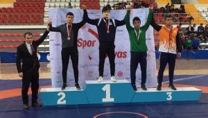Konya Büyükşehir Belediyesporlu Sporcular Göz Dolduruyor
