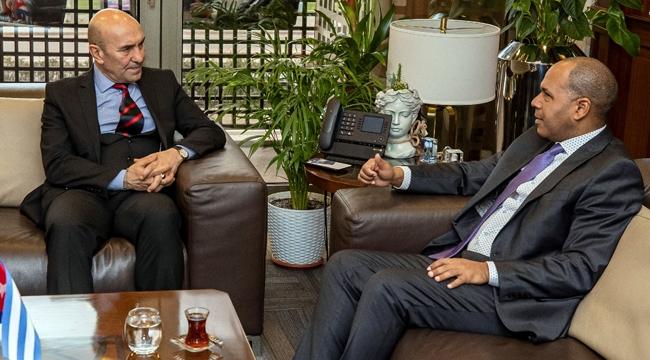 Küba Büyükelçisi İzmir Büyükşehir Belediye Başkanı Tunç Soyer'i ziyaret etti!