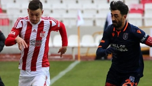 Lider Demir Grup Sivasspor, Medipol Başakşehir ile 1-1 berabere kaldı!