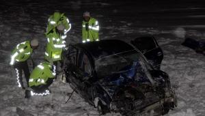 Şarampole yuvarlanan otomobilin sürücüsü ile kayınvalidesi öldü, eşi ve kızı yaralandı