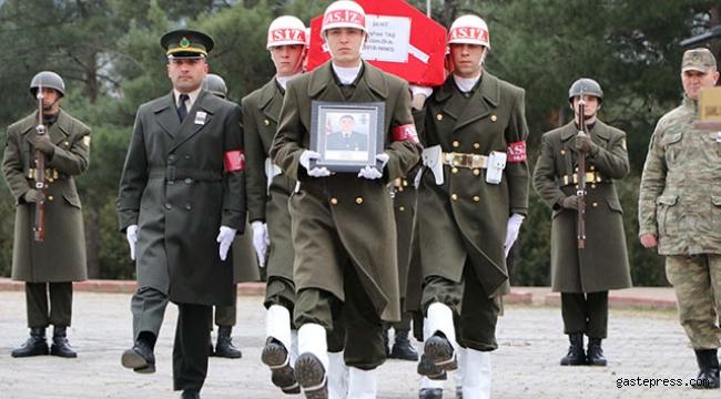 Suriye'de kazada şehit olan Uzman Onbaşı, memleketine uğurlandı