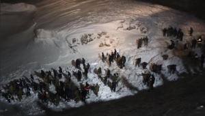 Van'da çığ felaketi! Bölgeye çok sayıda ekip sevk edildi