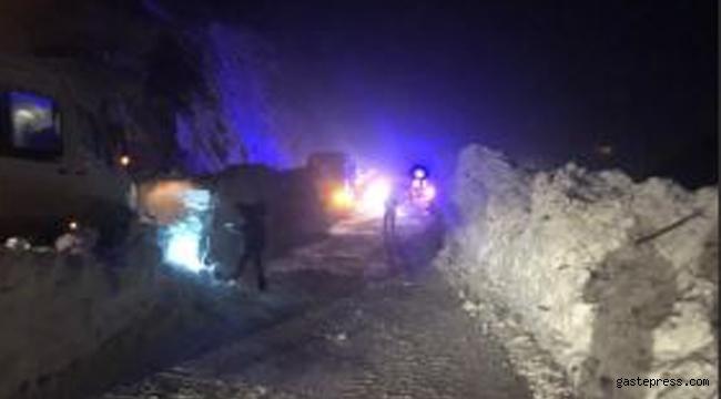 Zigana Dağı'na çığ düştü yol kapandı