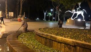 Antalya'da caddeler, sokaklar, meydanlar dezenfekte ediliyor!