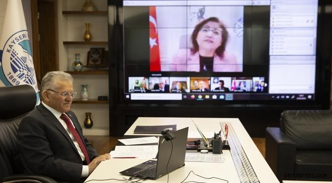 Kayseri'de Başkan Büyükkılıç, TBB Encümenine Telekonferansla Katıldı!